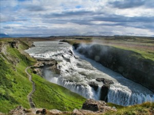 Gullfoss-is-one-of-the-most-popular-tourist-attractions-in-Iceland