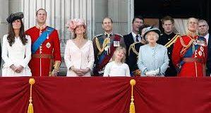 عادات و تقاليد غير اعتيادية للعائلة الملكية فى بريطانيا