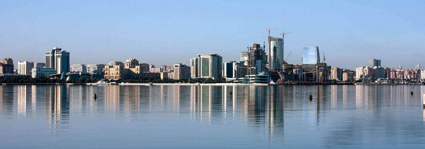 Baku-Bay-Azerbaijan-1400x491