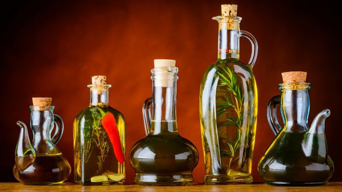 Which-oils-should-you-actually-use-to-fry-with-variety-of-oils.fit-to-width.670x.q80